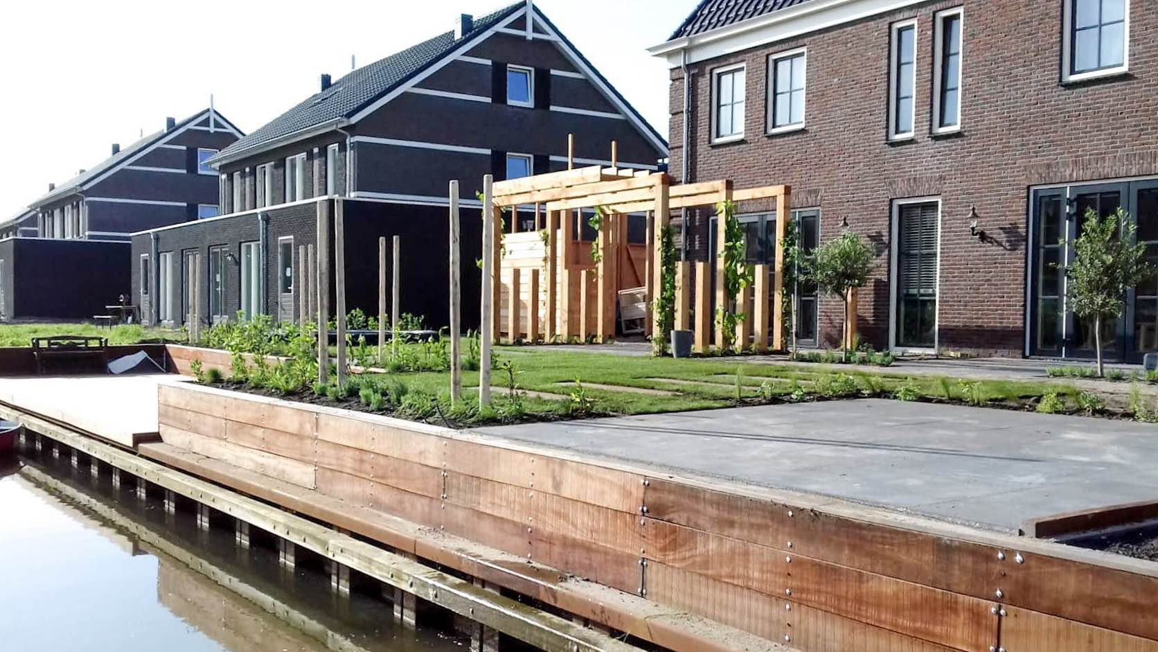 Ontwerp en aanleg voor- en achtertuin Harinxmaland Jacobshof Sneek